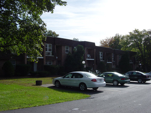 Delmar Maple apartments
