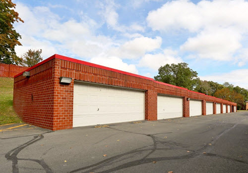 Guilderland 1700 apartment complex garages