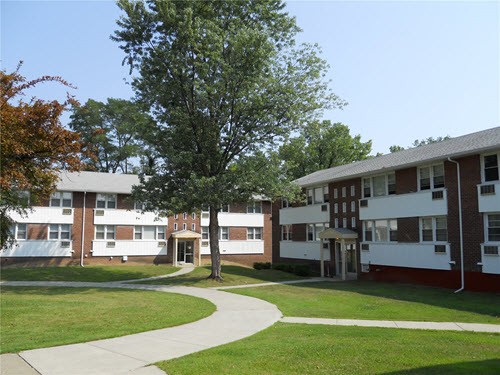 Menands Riverhill apartments