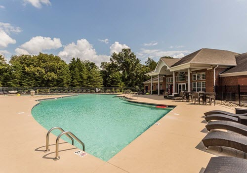 Murfreesboro Vie apartments pool