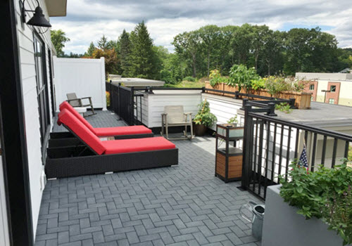 Saratoga Springs Hamlet apartments deck