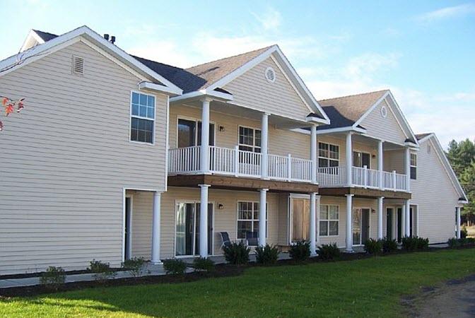 Saratoga Heritage apartment complex