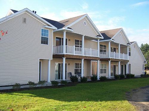 Saratoga Springs Heritage apartment complex