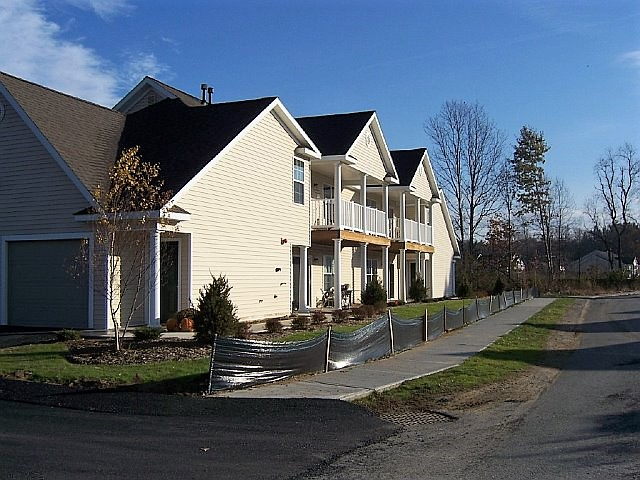 Saratoga Springs Heritage apartments