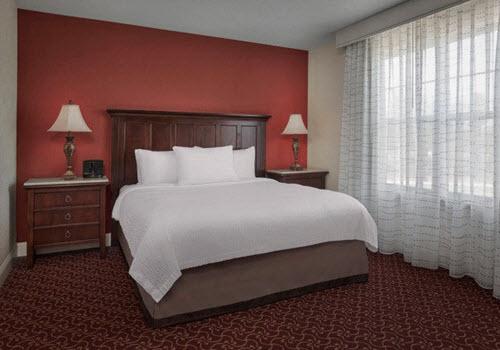 Saratoga Springs Residence hotel room