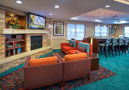 Saratoga Springs Residence hotel lobby